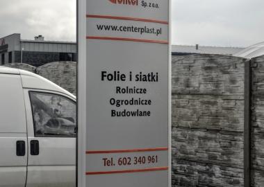 totem podswietlany reklamowy z frezowanymi napisami STM REKLAMA falmirowice-opole